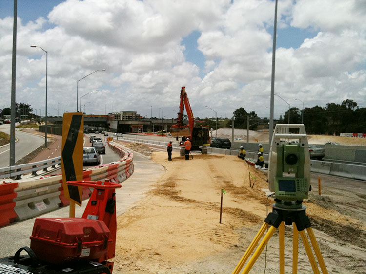 Traffic control and management on Kwinana Freeway by Highways Traffic